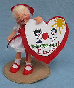 "Annalee 7"" Sweetheart Girl Holding Valentine - Winking - Mint - 039094w"