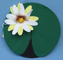 """Annalee 8"""" Flowering Lily Pad - Mint - 184796x"""
