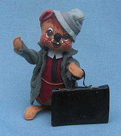 """Annalee 7"""" Business Man Mouse with Briefcase - Mint - Signed - 200289s"""