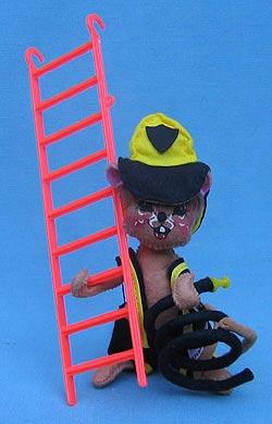 """Annalee 7"""" Fireman Mouse - Mint / Near Mint - 202393"""
