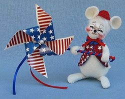 """Annalee 4"""" Patriotic Boy Mouse with Pinwheel - Mint - 203606sq"""