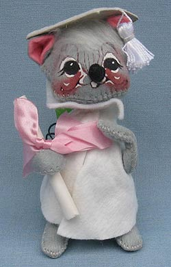 """Annalee 7"""" Graduation Mouse in White - Mint / Near Mint - 209580ox"""