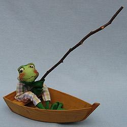 "Annalee 10"" Frog in Boat - Excellent - 240892a"