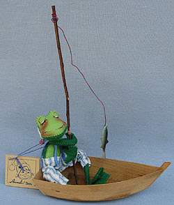 """Annalee 10"""" Frog in Boat - Mint - 240893x"""