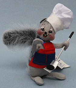 """Annalee 5"""" Backyard Buddies Barbeque Father Squirrel with Spatula - Mint - 250701"""