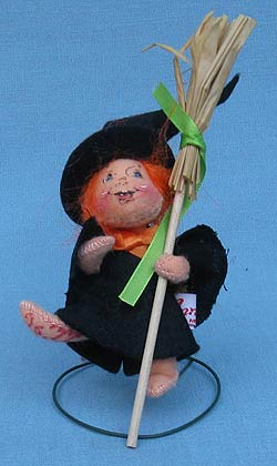 """Annalee 3"""" Witch Kid with Broom - Signed - Mint - 300495s"""