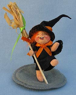 """Annalee 3"""" Witch Kid with Broom - Mint - 300495xo"""