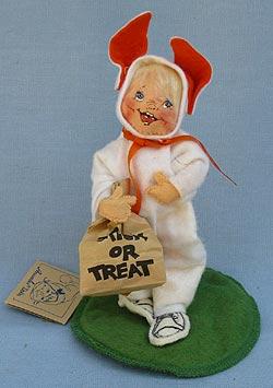 "Annalee 7"" Bunny Trick or Treat Kid - Very Good - 303289c"