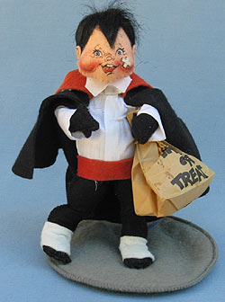 """Annalee 7"""" Dracula Kid with Bandage on Cheek - Excellent - 305492xa"""