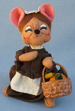 "Annalee 6"" Pilgrim Girl Mouse with Basket - Near Mint - 307603sqx"