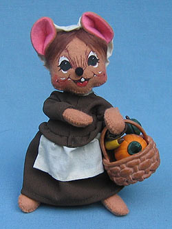 "Annalee 6"" Pilgrim Girl Mouse with Basket - Near Mint - 307603"