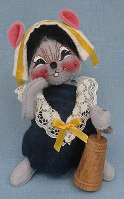 "Annalee 7"" Pilgrim Girl Mouse with Butter Churn - Mint - 307698sq"