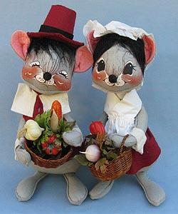 "Annalee 12"" Cranberry Pilgrim Boy & Girl Mice - Near Mint - 3080-3075-81b"