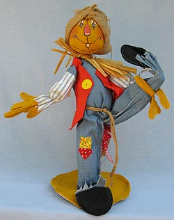 """Annalee 18"""" Scarecrow with Red Vest - Near Mint - 315083-1"""