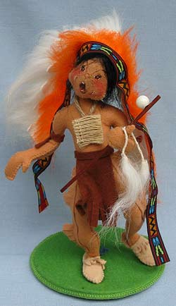 """Annalee 10"""" Indian Chief Holding Peace Pipe - Excellent - 316895yella"""