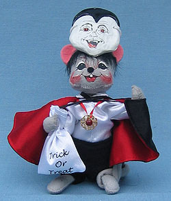 """Annalee 6"""" Trick or Treat Dracula Mouse with Mask - Mint - 325405"""