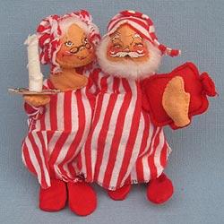 "Annalee 7"" Mr & Mrs Tuckered Santas - Closed Eyes - 1982 - Mint - 510082xlip"