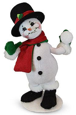 """Annalee 9"""" Snow Fun Snowman Throwing Snowball 2019 - Mint - 560219"""
