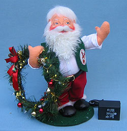 "Annalee 13"" Santa with Lighted Wreath - Mint - 581103"
