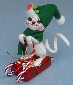 """Annalee 6"""" Candy Cane Sledding Mouse - Near Mint - 601508oxt"""