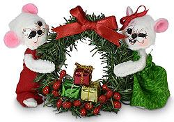 "Annalee 3"" Yuletide Mice Holding Wreath 2020 - Mint - 610420"
