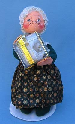 "Annalee 12"" Mrs Santa Gift of Gold - Mint - 683200"
