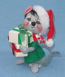 "Annalee 7"" Mouse with Presents - Mint / Near Mint - 773584"