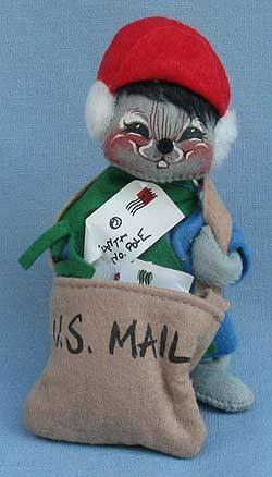 """Annalee 7"""" Mouse with Mailbag and Letters - Mint / Near Mint - 775291sqxt"""