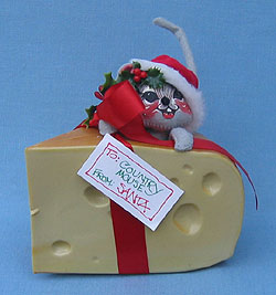 """Annalee 7"""" Mouse in Wedge of Cheese - Mint / Near Mint - 775692"""