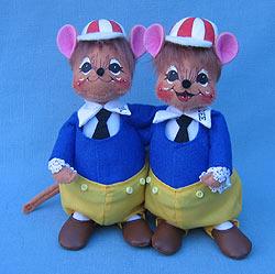 """Annalee 6"""" Alice in Wonderland Tweedle Dee & Tweedle Dum Mice - Mint - 943606"""
