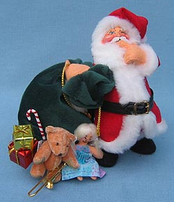 """Annalee 7"""" Santa - Laying a Finger Aside of His Nose - Mint - 944504"""