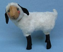 """Annalee 8"""" Lamb - Near Mint - A80-75"""