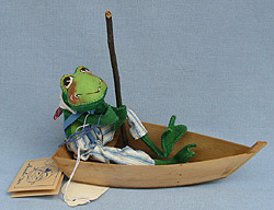 """Annalee 10"""" Frog in Boat - Very Good - 240893a"""