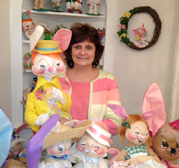 Complete gallery of information on Annalee Bunnies.